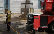 Muere el bombero que había resultado herido grave en el incendio de un taller de coches en Vilanova i la Geltrú