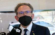 El conseller d'Economia, Jaume Giró, atenent la premsa després de visitar Applus Idiada.