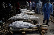 El món supera els quatre milions de morts per covid-19