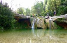 Arnes regulará también el acceso a la zona de baño del río Estrets y en el Toll del Vidre con aparcamientos de pago