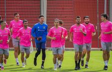 Els futbolistes tarragonins exercitant-se el primer dia de la pretemporada d'aquest any.