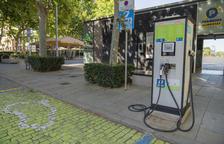 Satisfacció veïnal a Reus pels nous punts de recàrrega de vehicles elèctrics