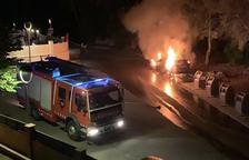 Cremen diversos cotxes de matinada a diferents barris de Tarragona