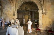 La reja de la capilla de Santa Magdalena en el Claustro de la Catedral, restaurada