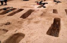 Los 177 soldados recuperados en la fosa|foso de Móra d'Ebre protagonizan una nueva exposición del COMEBE
