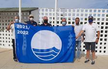 La bandera azul vuelve a ondear en el puerto deportivo de Salou