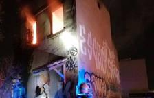 Crema la casa abandonada de l'avinguda Andorra de Tarragona