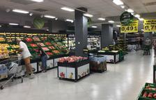Imatge de la secció de fruites i verdures del supermercat reformat de Mercadona al carrer Manuel de Falla de Tarragona.