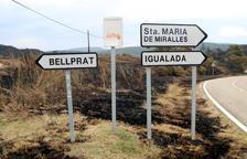 Unas 25 dotaciones de Bomberos han remojando área de Queralt durante la noche