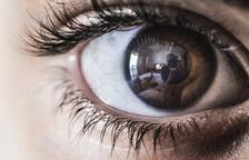 Un signo en los ojos puede significar un síntoma de la covid de larga duración