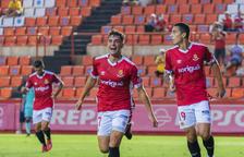 Pol Prats celebrando el tercer gol del Nàstic conseguido después de una buena presión de Pedro del Campo, Pablo y el mismo Pol Prats.