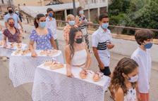 Roda de Berà celebra la procesión del Pan Bendecido por Sant Bartomeu