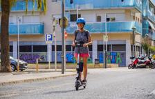 El casc passa a ser obligatori a Tarragona per als patinets elèctrics