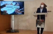 Imagen de Carles Pellicer durante la presentación del programa 'Convivencias con el alcalde'.