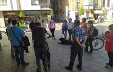 Una caminata técnica ayer en Reus sirvió para conocer las problemáticas de la movilidad