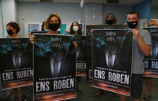 La CUP ocupa una oficina de Endesa en Reus para protestar por el encarecimiento de la factura de la luz