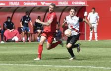 Una acción en el partido que los alicantinos jugaron la pasada jornada en el campo del Sevilla Atlético.