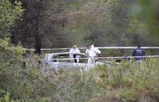 Encuentran un cadáver en un vehículo completamente calcinado en el Vendrell