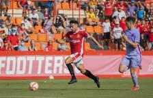 Robert Simón recorre la banda derecha en el transcurso del partido que el Nàstic ha disputado esta temporada en el Nou Estadi contra el Barcelona B (1-0).