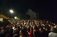 El botellón que se hizo en el paseo de Sant Antoni fue el más multitudinario y llegó a reunir centenares de personas.