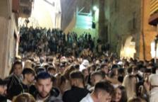 La calle Major y las escalas de la Catedral llenas de gente.