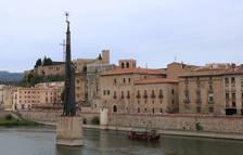 Territori aprueba que se pueda hacer una pasarela sobre la pilastra del monumento franquista de Tortosa