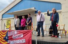 Elisenda Paluzie, Carme Forcadell, Jordi Sánchez, Agustí Alcoberro i Joan Reig durant 'Els Segadors'.