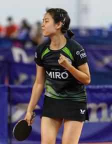 Jessica Yamada celebra un dels punts aconseguits.