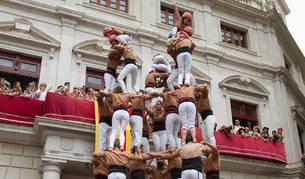 La tronada, els balls de lluïment i els castells dels Xiquets, protagonistes a la Mercadal