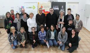 Foto de grup dels restauradors professionals que han participat al Seminari de Creativitat Culinària del Baix Ebre.