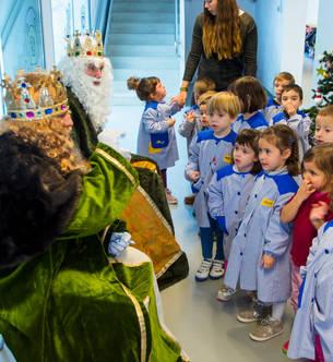 Els patges dels Reis Mags d'Orient visiten la Salle Tarragona.