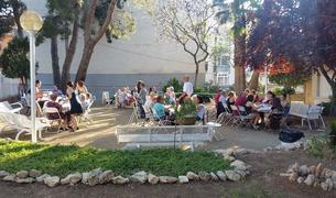 Imatge del sopar de benvinguda de l'estiu a la Residència d'Avis de La Muntanyeta.