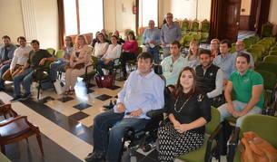 Els participants als programes a l'Ajuntament de Tarragona aquest dimarts.