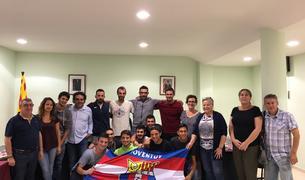 Els jugadors de la Joventut Bisbalenca a la recepció de l'Ajuntament.