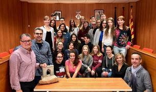 Els alumnes alemanys i rodencs que participen a l'intercanvi han visitat l'Ajuntament.