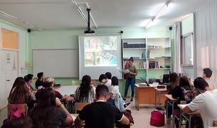 Anne Blanchette, alumna del Quebec, en la seva presentació a l'Institut Baix Camp.