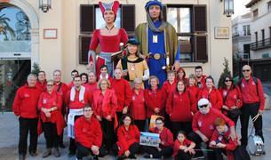Foto de família dels Amics dels Gegants de Montblanc.