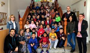 Els alumnes de l'escola Salvador Espriu visiten l'Ajuntament de Roda de Berà.