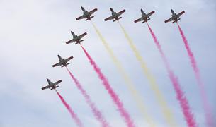 Imatge d'un dels moments més àlgids de l'exhibició, quan els avions van dibuixar la bandera espanyola al cel tarragoní.