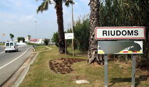 Sancionat un veí de Riudoms per pintar un rètol de municipi independentista a l'entrada del poble