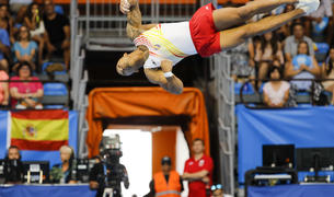 El gimnasta español Rayderley Zapata durante su participación en la especialidad de suelo en la final de gimansia artística de los XVIII Juegos Mediterráneos