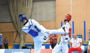 Uno de los combates de taekwondo en Salou.
