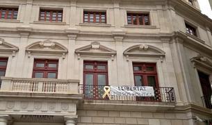 Admès el recurs de Ciutadans contra la pancarta «llibertat presos polítics» de l'Ajuntament de Reus