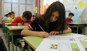 El Defensor del Pueblo va rebre 28 queixes d'adoctrinament en centres catalans