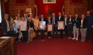 L'alcalde Josep Fèlix Ballesteros ha entregat els diplomes a