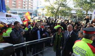 La jutgessa manté l'acusació per un presumpte delicte d'odi contra l'alcalde de Reus i els quatre regidors