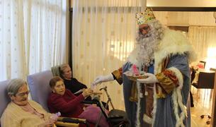 Els Reis d'Orient visiten els avis del Creixell.