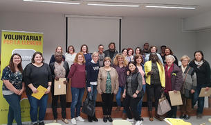 Imagen de las 24 parejas que forman parte del Voluntariat per la lengua.