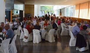 Imagen de la comida homenaje a las personas mayores de Salou.