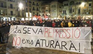Concentración y manifestación de protesta por el encarcelamiento de Pablo Hasél en Reus